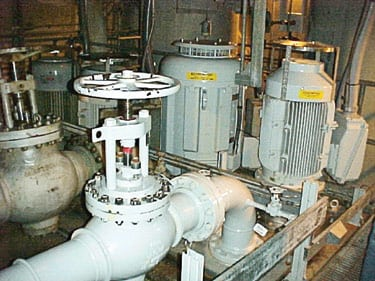 6. Squeeze job. The new lube oil pump and its piping were installed adjacent to the existing, DC-powered lube oil pumps. Courtesy: Southern California Edison