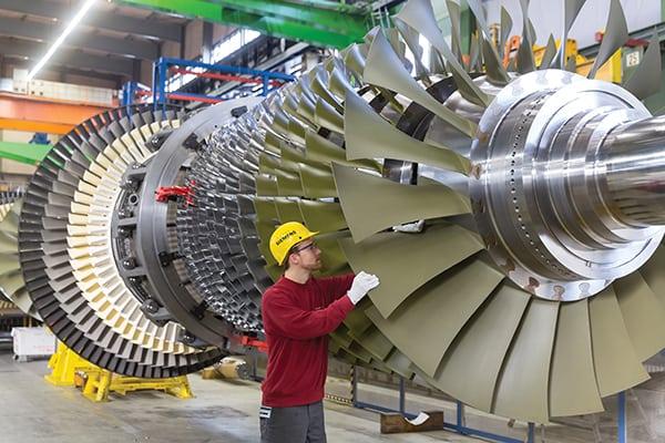 GuD-Kraftwerk Düsseldorf Lausward mit der Fernwärmeauskoppelung - drei Weltrekorde / CCGT power plant with district heating extraction in Lausward, Düsseldorf – three world records