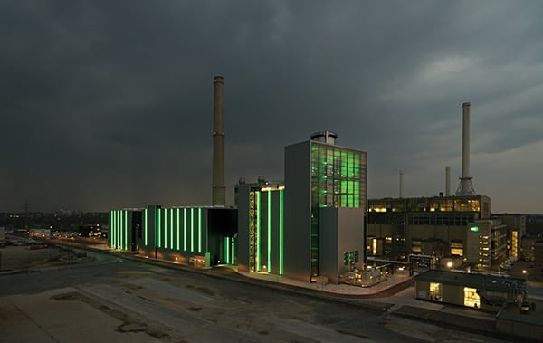 "<strong>2016—<a href=""https://www.powermag.com/dusseldorfs-lausward-power-plant-fortuna-unit-wins-powers-highest-award/"">Dusseldorf's Lausward Power Plant Fortuna Unit</a></strong> <br><br> Düsseldorf's new ""Block Fortuna"" at the Lausward Power Plant, owned by municipal utility Stadtwerke Düsseldorf, is setting records and giving Germany's coal-fired power plants some much-needed competition for backing up the nation's large percentage of variable renewable power."