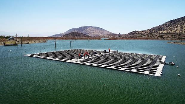 floating-solar-farm-photovoltaic-energy